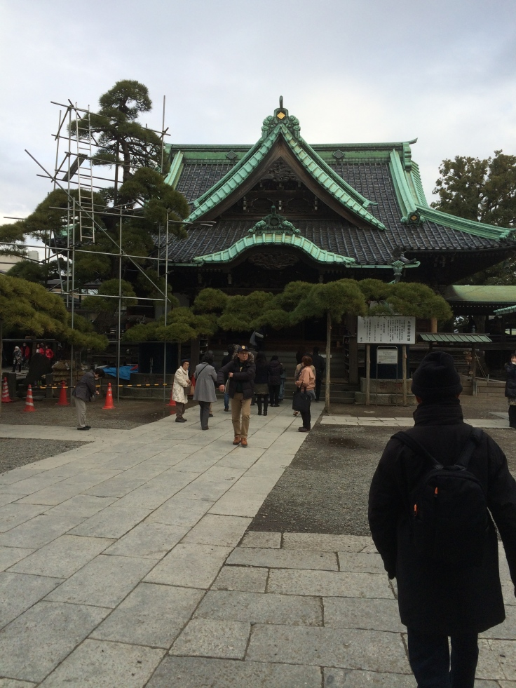 Inside the courtyard of the temple at Shibamata. The sound of chanting monks was on the air.